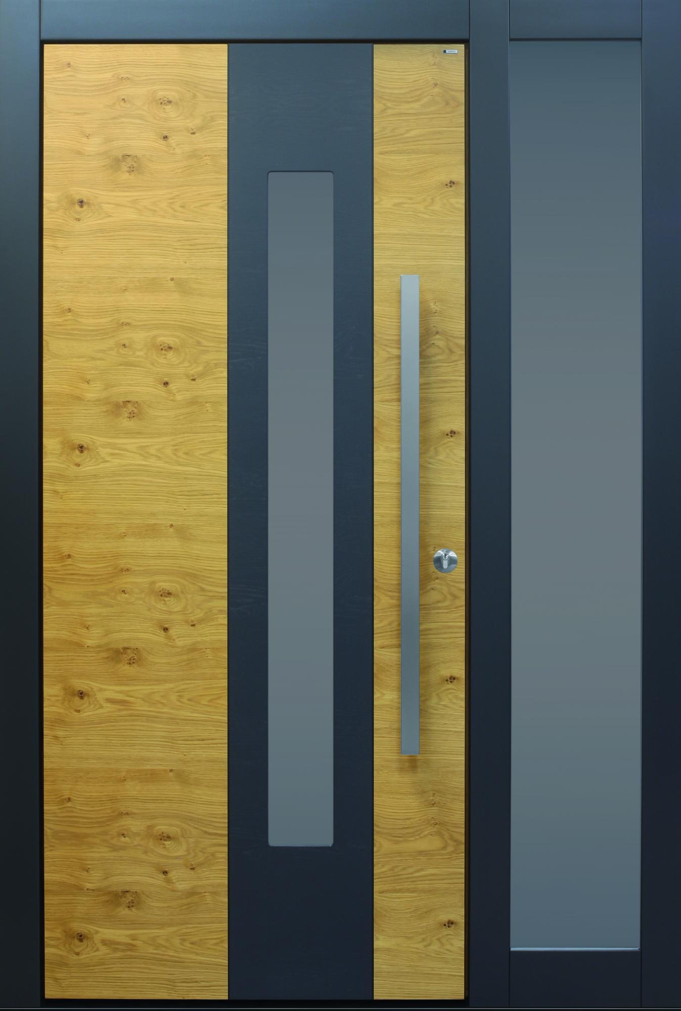 holz topic haust ren u wohnungst ren aus sterreich. Black Bedroom Furniture Sets. Home Design Ideas