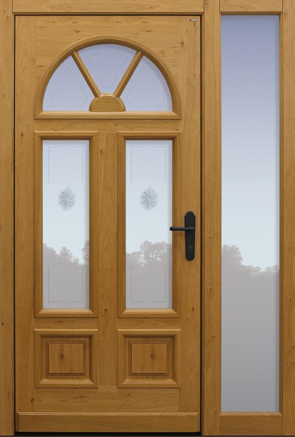 Haustür klassisch Eiche mit Option Querfries unten mit Glasmotiv MS7 mit Seitenteil B1 Modell A102-T1