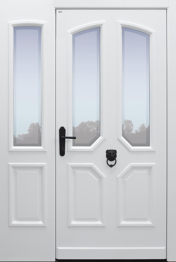 Haustür klassisch weiß mit Option Glas Klarrand mit Türklopfer mit Seitenteil A9 Modell A96-T1