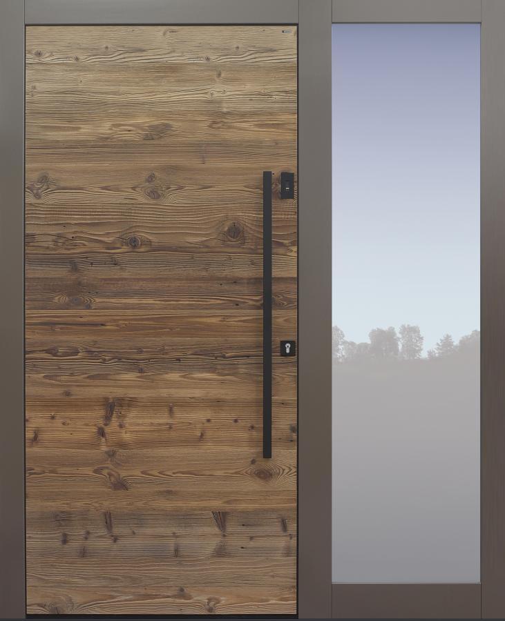 Haustür Altholz Fichte mit Stoßgriff schwarz und Fingerprint mit Seitenteil T Modell B9-T